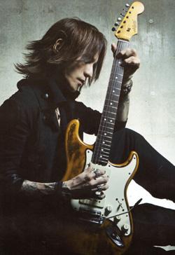 Guitar magazine14年LUNA SEA 25th ANNIVERSARYP9.jpg