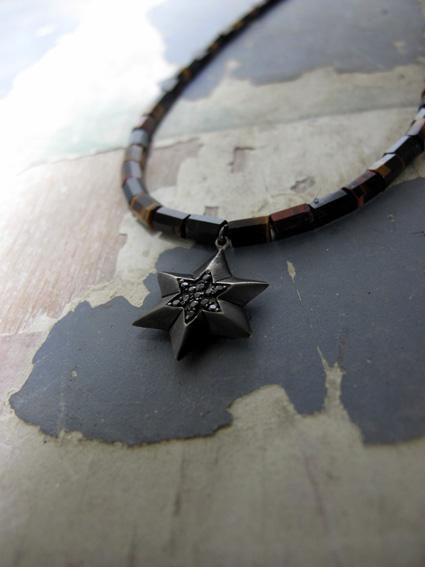STARS TIGER EYE NECKLACE BK.JPG